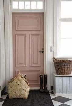 Peindre sa porte d'entrée